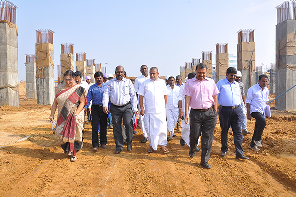 Hon'ble Minister for Housing and Urban Development Department Visit at Inter City Bus Terminus site at Madhavaram on 20.12.2016